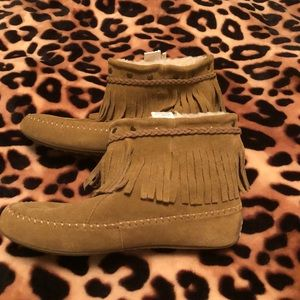 Lucky brand tan fringe moccasins